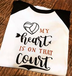 Olympic Badminton, Olympic Games Sports, Olympic Gymnastics, Volleyball Outfits, Volleyball Shirts, Volleyball Players, Beach Volleyball, Sports Mom Shirts, Sports Sweatshirts