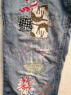 patched jeans with embroidery - channeling the Moda Hippie, Diy Vetement, Make Do And Mend, Patched Jeans, Denim Pants, Jeans Material, Old Jeans, Faded Jeans, Diy Clothing