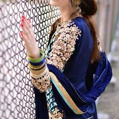 Image in cool girls dpzzz collection by HaRiM KhAn Stylish Girl Images, Stylish Girl Pic, Girly Dp, Girly Pics, Love Fashion, Girl Fashion, Girl Hiding Face, Dps For Girls, Afghan Dresses