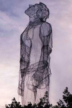 「 Giant Wire Mesh Sculpture by Edoardo Tresoldi for Roskilde Festival in Denmark Fabiano Caputo 」 Contemporary Sculpture, Contemporary Art, Street Art News, Drawn Art, Outdoor Sculpture, Sculpture Ideas, Wire Mesh, Design Lab, Wire Art