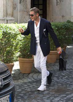 lapo elkann - discrete colored sunglasses, all white, my style