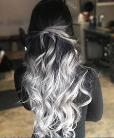 33 blonde or caramel sweeping ideas for gorgeous hair - HAIR - Hair Color Cute Hair Colors, Pretty Hair Color, Beautiful Hair Color, Hair Dye Colors, Ombre Hair Color, Fall Hair Colors, Ombre Silver Hair, Long Hair Colors, Silver Hair Colors