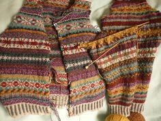 Bezem Design ~ Claims of Orkney vest from Rowan 52 by Marie Wallin, for lovers! Pattern I kept . Punto Fair Isle, Motif Fair Isle, Fair Isle Pattern, Lace Knitting, Knit Crochet, Norwegian Knitting, Fair Isle Knitting Patterns, Techniques Couture, Fair Isles