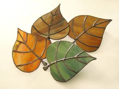 Green Leaf Nightlight Stained Glass Night Light Fall - Night light green leaf stained in clear glass at night Stained Glass Night Lights, Stained Glass Ornaments, Making Stained Glass, Stained Glass Flowers, Faux Stained Glass, Stained Glass Lamps, Stained Glass Designs, Stained Glass Panels, Stained Glass Projects