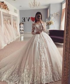 When you first go shopping for wedding event gowns you will wish to have a sit down with the bridal expert at the bridal boutique. Princess Wedding Dresses, Dream Wedding Dresses, Bridal Dresses, Wedding Gowns, Couture Dresses, Wedding Bride, Xv Dresses, Diana Wedding, Wedding Hijab