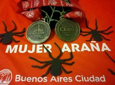 Medalla finisher de la maratón de bs as 2012 Mujer Araña Emilse Runner 42Km