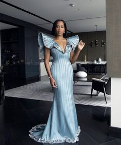 Regina King, Louise Vuitton, Nice Dresses, Formal Dresses, The Best Films, Trending Today, Vogue Magazine, Beautiful Black Women, Hollywood Actresses