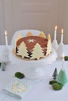 Weihnachtskuchen mit Tannenbaum-Cookies