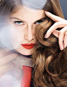 Oficiální look L´Oréal Paris pro Mezinárodní filmový festival Karlovy Vary. Laetitia Casta, Paris Suburbs, Tissue Engineering, Beauty Companies, Loreal Paris, How Beautiful, Makeup Looks, Hair Care, Hair Color