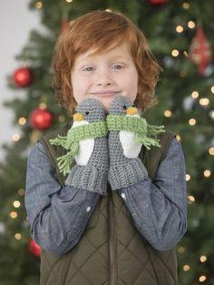 Free Crochet Pattern: Penguin Mittens for kids