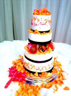 Modern Orange Pink Purple White Yellow Garden Multi-shape Round Summer Wedding Cakes Photos & Pictures - WeddingWire.com