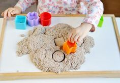 Zaubersand selber machen: So geht's! We show you how to make magic sand yourself in the handicraft i Crafts For Teens To Make, Diy For Teens, How To Make Magic, Magic Sand, Christmas Scenes, Tape Crafts, Creative Play, Baby Games, Easy Diy Crafts