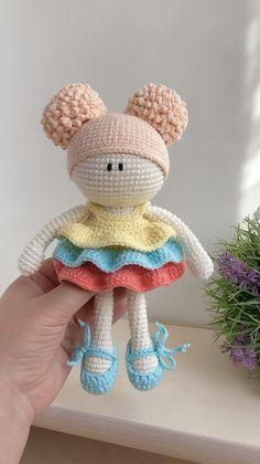 Crochet Baby Toys, Crochet Teddy, Crochet Doll Clothes, Cute Crochet, Crochet Animals, Handmade Dolls Patterns, Crochet Dolls Free Patterns, Crochet Doll Pattern, Doll Amigurumi Free Pattern