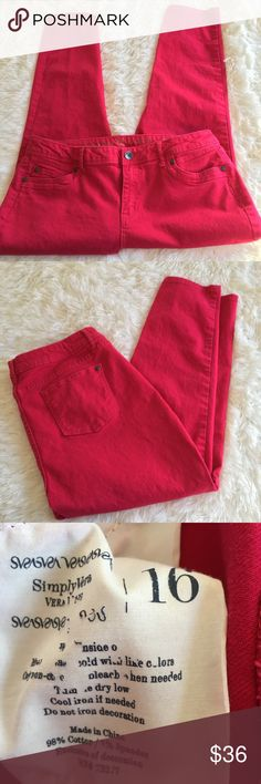 """Vera Wang Simply Vera Bright Pink Skinny Jeans Fun, vibrant Skinny Jeans.  Excellent condition, pair with fun prints, a closet must have!  Waist measures 18.5"""" across flat, 26"""" inseam. Simply Vera Vera Wang Jeans Ankle & Cropped"""