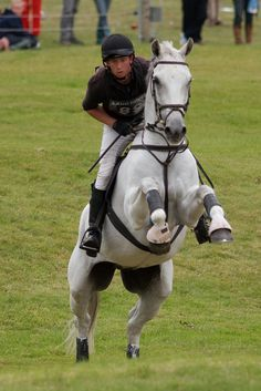 Richard Jones and Incan Winter at the Discovery Valley Burghley Horse Trials 2009