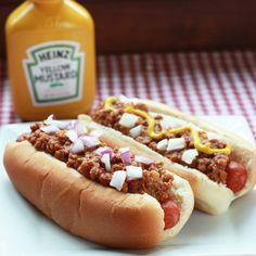 A slightly spicy chili sauce for hot dogs made with beef, onions, ketchup, mustard, and spices.