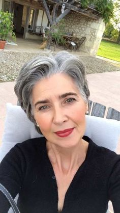hair highlights classy Classy Pixie Haircuts for Older Women Hairstyle-for-Elderly-Ladies Classy Pixie Haircuts for Older Women Grey Hair Don't Care, Short Grey Hair, Short Hair Cuts, Short Pixie, Silver Grey Hair, White Hair, Gray Hair, Pixie Hairstyles, Pixie Haircuts