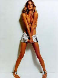 Find the latest shows, biography, and artworks for sale by Mario Testino. Mario Testino is a fashion photographer who has come to define fashion as much as h… Gisele Bündchen, Mario Testino, Moda Fashion, Fashion Models, Define Fashion, Klum, Miranda Kerr, Vogue Paris, Supermodels