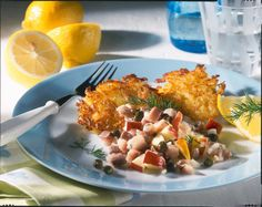 Matjestatar auf Rösti Rezept | LECKER Cauliflower, Food And Drink, Meat, Chicken, Vegetables, Fish Dishes, Hash Recipe, Peeling Potatoes, Popular Recipes