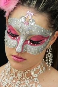 Very sparkly and creative crystal accented pink and silver masquerade make-up mask By Priscilla Muse. Mask Makeup, Costume Makeup, Makeup Art, Eye Makeup, Tinta Facial, Halloween Make Up, Halloween Face Makeup, Masquerade Makeup, Masquerade Masks