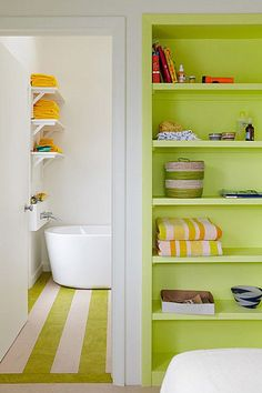 48 Impressive Colorful Bathroom Décor And Remodel Ideas For Summer - Giving your bathroom a fresh splash of paint is always a welcome idea. This would help in maintaining its appeal, atmosphere and personality. The ques. Interior Exterior, Interior Design, Do It Yourself Design, Floor Shelf, Bathroom Colors, Colorful Bathroom, White Bathroom, Bright Bathrooms, Lime Green Bathrooms