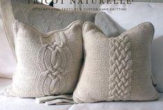 apró gyönyörűségek: Párnák kötött pulóverekbe bújtatva