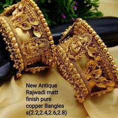Gold Bangles Design, Gold Jewellery Design, Gold Bangles For Women, Indian Gold Bangles, Indian Jewelry, Gold Jewelry, Designer Bangles, Diamond Jewellery, Gold Necklace