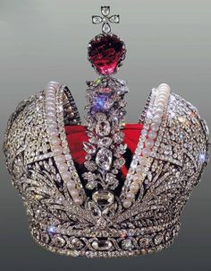 The great Imperial crown Jeremie Pauzier - jeweler at the court of Empress Elizabeth and Empress Catherine the Great of Russia XVIII th Royal Crown Jewels, Royal Crowns, Royal Tiaras, Royal Jewelry, Tiaras And Crowns, Fine Jewelry, Jewelry Art, Catalina La Grande, Antique Jewelry