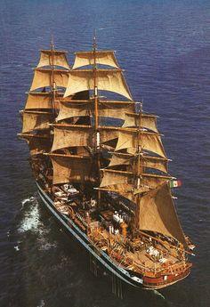 Name: Amerigo Vespucci Country: Italy Sail area: 2580 m2,,,