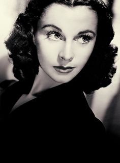 Vivien Leigh pictures and photos Old Hollywood Glamour, Golden Age Of Hollywood, Vintage Hollywood, Hollywood Stars, Classic Hollywood, Hollywood Cinema, Vivien Leigh, Classic Actresses, Hollywood Actresses