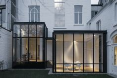 Janisol Arte steel Windows - By Hans Verstuyft Architecten