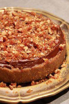 Sós karamellás csokoládétorta avagy egy majdnem névnapi szülinapi torta 5000 kalóriában. | Rizsázzunk! Banana Bread, Pie, Cooking, Food, Caramel, Torte, Kitchen, Cake, Fruit Cakes