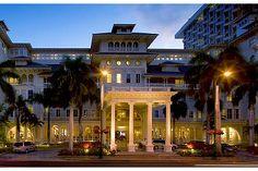 Moana Surfrider, A Westin Resort and Spa, Oahu, Hawaii - Love Travel. My dream destination is Hawaii! Oahu Hi, Honolulu Oahu, Waikiki Beach, Oahu Hawaii, Hawaii Pics, All Inclusive Vacations, Hotels And Resorts, Luxury Resorts, Beach Resorts