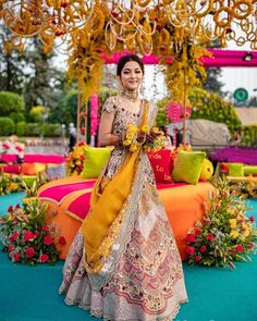 Shining like a princess in this yellow lehenga! Bride - MUA- OutfYou can find Indian wedding and mo. Indian Bridal Outfits, Indian Designer Outfits, Wedding Outfits, Indian Designers, Wedding Attire, Wedding Bride, Dress Indian Style, Indian Dresses, Indian Wear