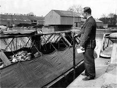 "Caption: ""Brentford Gauging Lock"" #london #canal #brentford #gauging #toll #clerk #grand #union #narrowboat #barge #wharf #lock #thames"