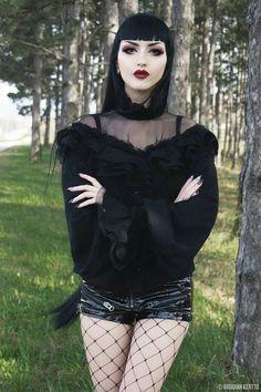 © Obsidian Kerttu Outfit: Devilnight Lenses: TTDeye Lashes: Dodolashes (discount code obsidiankerttu) Lips: Los Novios from 'Dia de los Muertos' Collection, Art-Ki-Tekt liner by LASplash Cosmetics (discount code obsidiankerttu for 25% off)