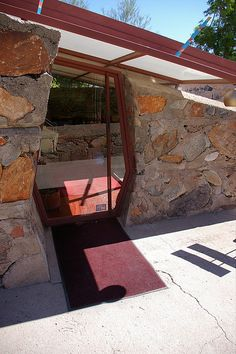 Taliesin West Office Door Fan photo of Church Architecture, Historical Architecture, Sustainable Architecture, Architecture Design, Residential Architecture, Frank Lloyd Wright Buildings, Frank Lloyd Wright Homes, Gaudi, Architecture Organique