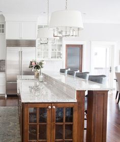 Functional kitchen island ideas with sink (62)
