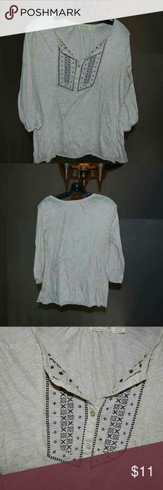 Super cute detailed top Super cute detailed top in awesome condition. Let me know if you have any questions. Tops