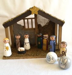 Deluxe 11 Piece Peg Nativity with Stable by MakingsFromMommyland, $95.00