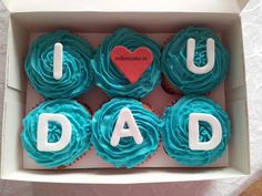 A message from all of us at Three Brothers: Dads, we love you! Cupcakes make the ultimate Father's Day Hallmark Card. Fathers Day Cupcakes, Birthday Cupcakes, Happy Fathers Day Cake, Wedding Cupcakes, Diy Father's Day Gifts, Father's Day Diy, Torta Candy, Cupcakes Decorados, Dad Cake