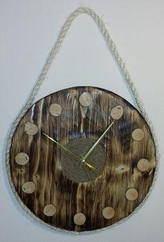 Závěsné+kulaté+dřevěné+hodiny+Dřevěné+hodiny+jsou+vyrobeny+z+masivního+dřeva+a+konopného+provazu.+Při+jejich+výrobě+byla+použita+technika+opalování+a+kartáčování.+Design+hodin,+použitý+materiál+a+způsob+výroby+s+důrazem+na+strukturu+a+zajímavé+detaily+dřeva+tak+zajistí+jejich+jedinečnost+a+originalitu.+Hodiny+obsahují+hodinový+strojek+Quartz+s+velmi+tichým... Clock, Wall, Design, Home Decor, Watch, Decoration Home, Room Decor, Clocks