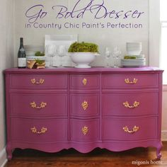 Charcoal gray painted dresser #DIY #paintedfurniture - countrychicpaint.com/blog
