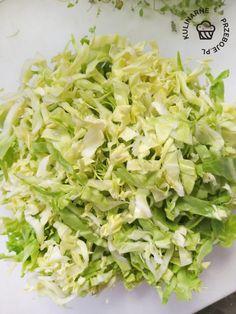 Surówka z młodej kapusty z koperkiem i marchewką - KulinarnePrzeboje.pl Lettuce, Cabbage, Grilling, Vegetables, Crickets, Cabbages, Vegetable Recipes, Brussels Sprouts, Salads