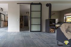 Belgisch hardsteen Gestraald - Belgisch hardsteen vloeren | Belgische blauwsteen vloertegels | Kersbergen.nl