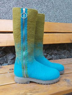 GALLERY | СТИЛЬНАЯ ШТУЧКА Felt Boots, Wool Shoes, Wool Art, Fancy Shoes, Felted Slippers, Slipper Boots, How To Make Shoes, Autumn Winter Fashion, Rubber Rain Boots