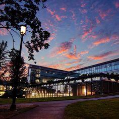 Enjoying the beautiful Seattle sunset from #UWCampus William H. Gates Hall. #gohuskies