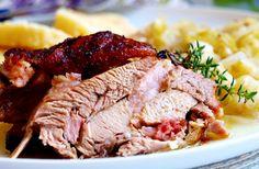 Krůtí pečínka na másle a tymiánu No Salt Recipes, Pork, Snacks, Dishes, Meat, Chicken, Internet, Soups, Straws
