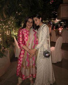 Diwali Here's How Sonam Kapoor, Priyanka Chopra, Kareena Kapoor Khan And Bollywood Stars Celebrated The Festival of Lights-PICS Diwali Dresses, Diwali Outfits, Pakistani Dresses, Indian Dresses, Indian Outfits, Bollywood Stars, Bollywood Fashion, Bollywood Celebrities, Bollywood Actress