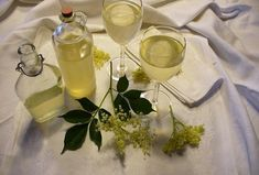 White Wine, Alcoholic Drinks, Table Decorations, Tableware, Glass, Desserts, Food, Lemon, Syrup
